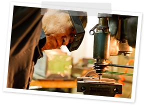 プロの職人が生み出す金型技術・イメージ